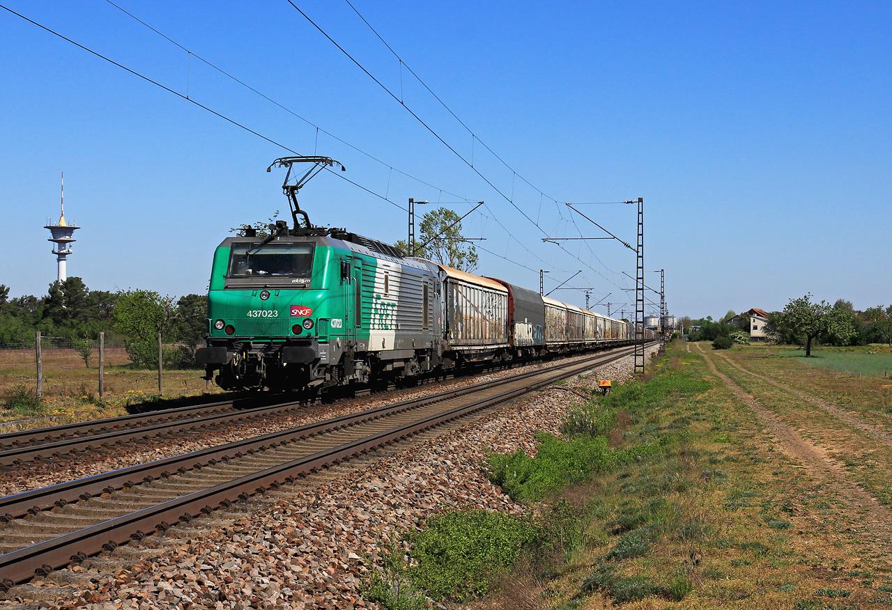 http://www.badische-schwarzwaldbahn.de/DSO/G449.jpg