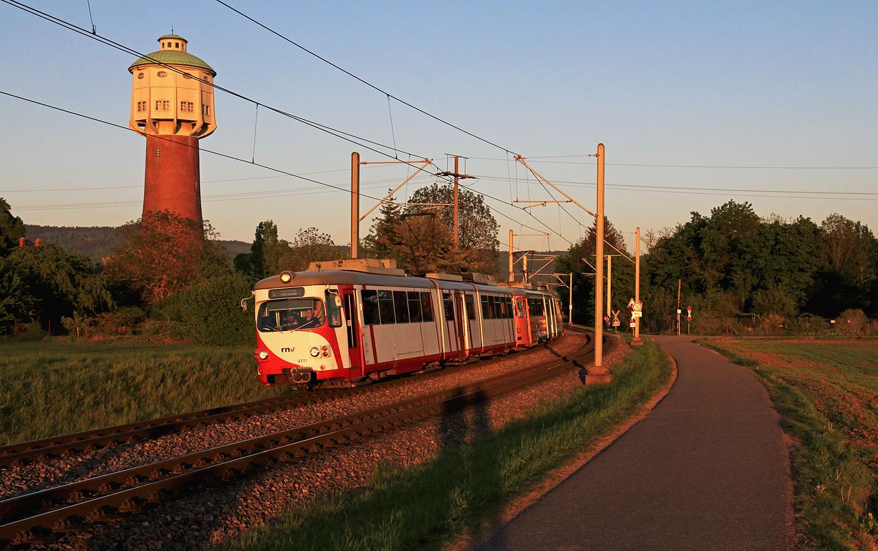 http://www.badische-schwarzwaldbahn.de/DSO/G467.jpg