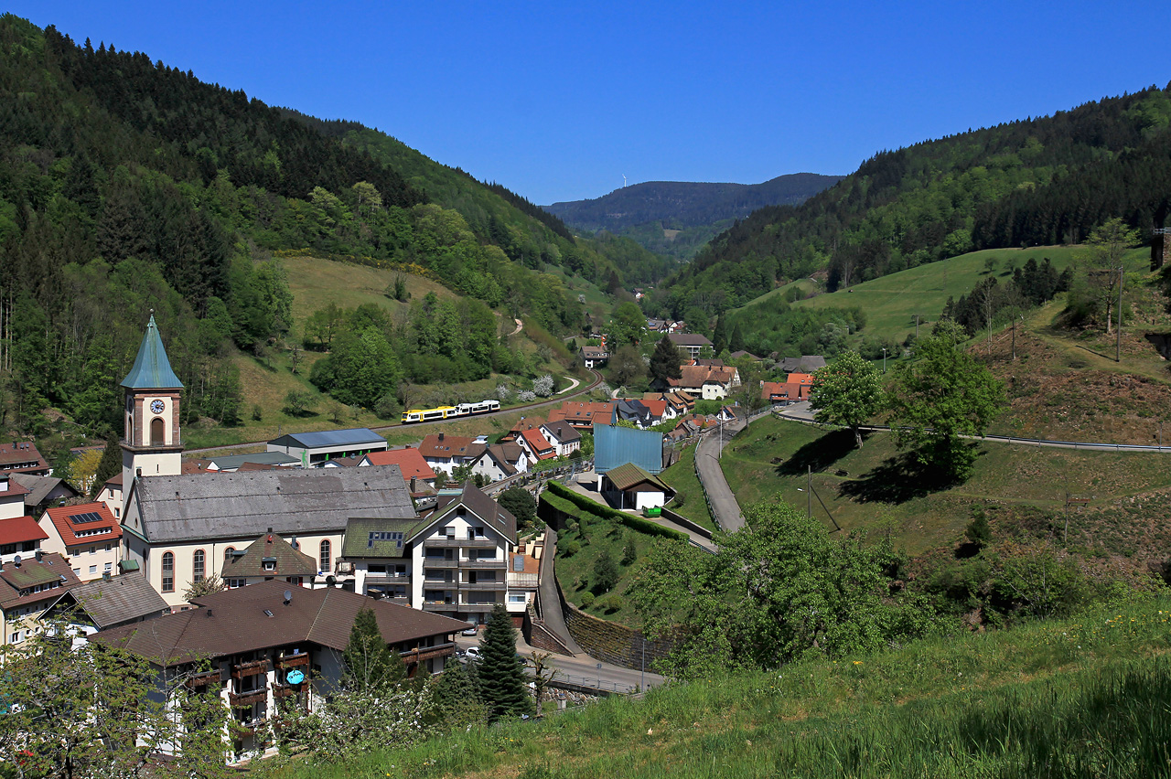 http://www.badische-schwarzwaldbahn.de/DSO/G63.jpg