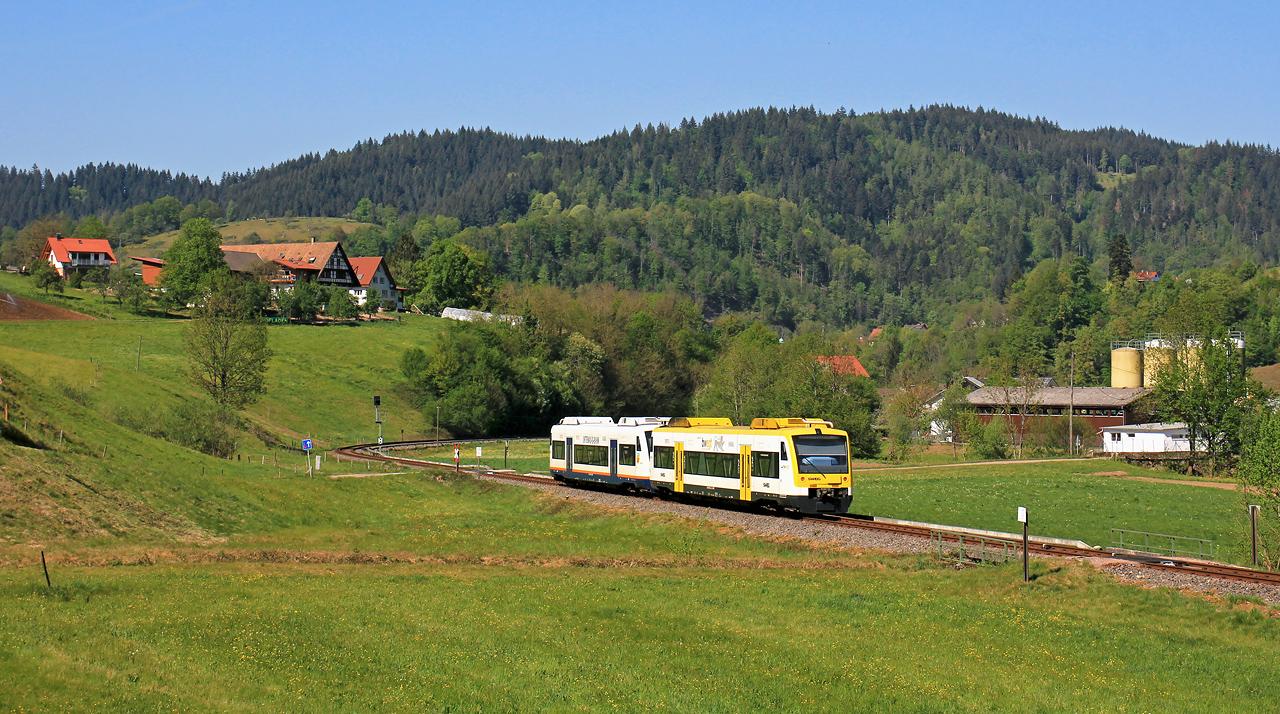http://www.badische-schwarzwaldbahn.de/DSO/G64.jpg