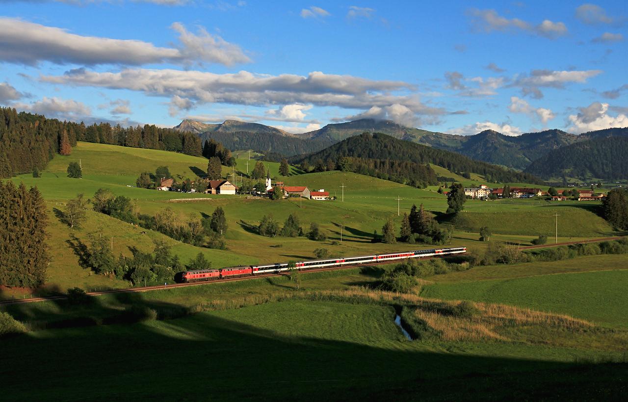 http://www.badische-schwarzwaldbahn.de/DSO/G643.jpg