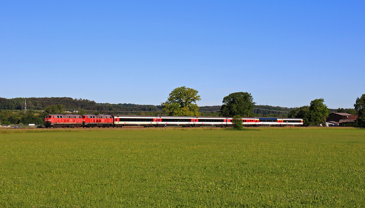 http://www.badische-schwarzwaldbahn.de/DSO/G651.jpg