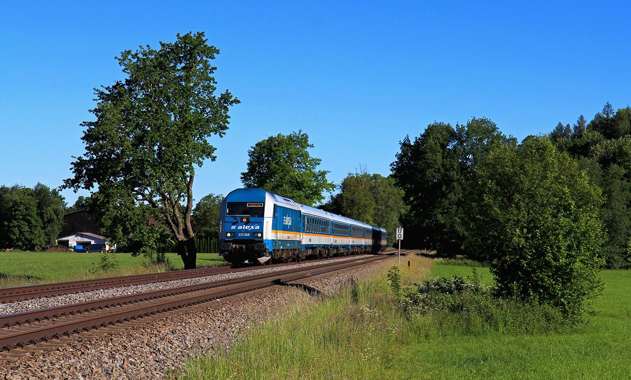 http://www.badische-schwarzwaldbahn.de/DSO/G652.jpg