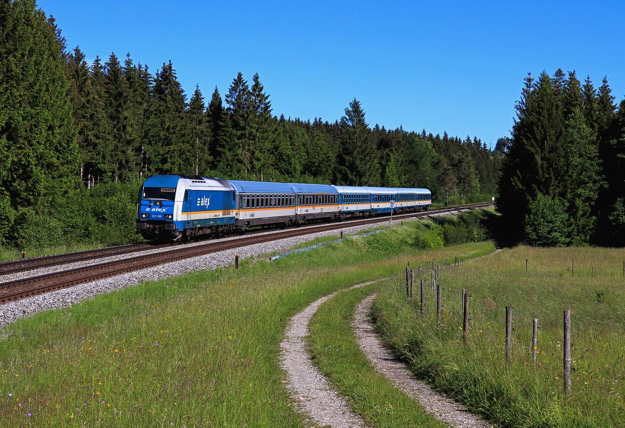 http://www.badische-schwarzwaldbahn.de/DSO/G656.jpg