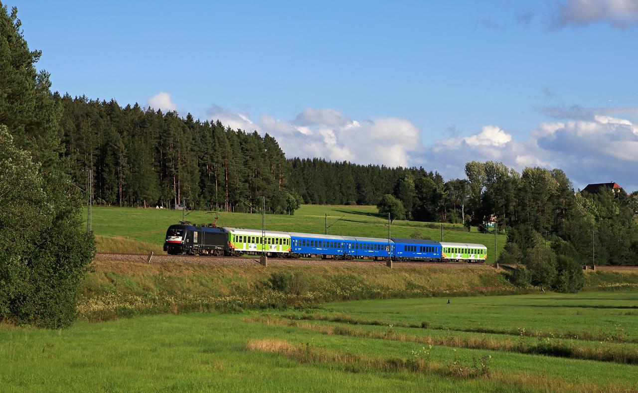 http://www.badische-schwarzwaldbahn.de/DSO/H220.jpg