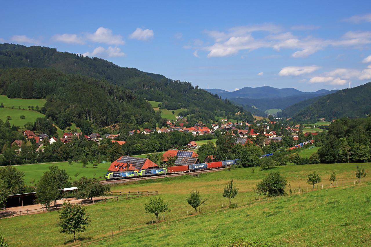 http://www.badische-schwarzwaldbahn.de/DSO/H233.jpg