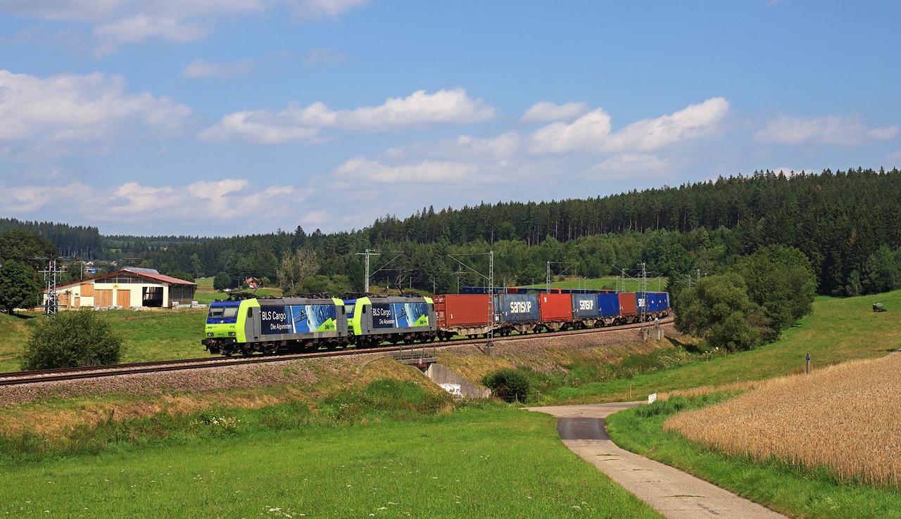 http://www.badische-schwarzwaldbahn.de/DSO/H235.jpg