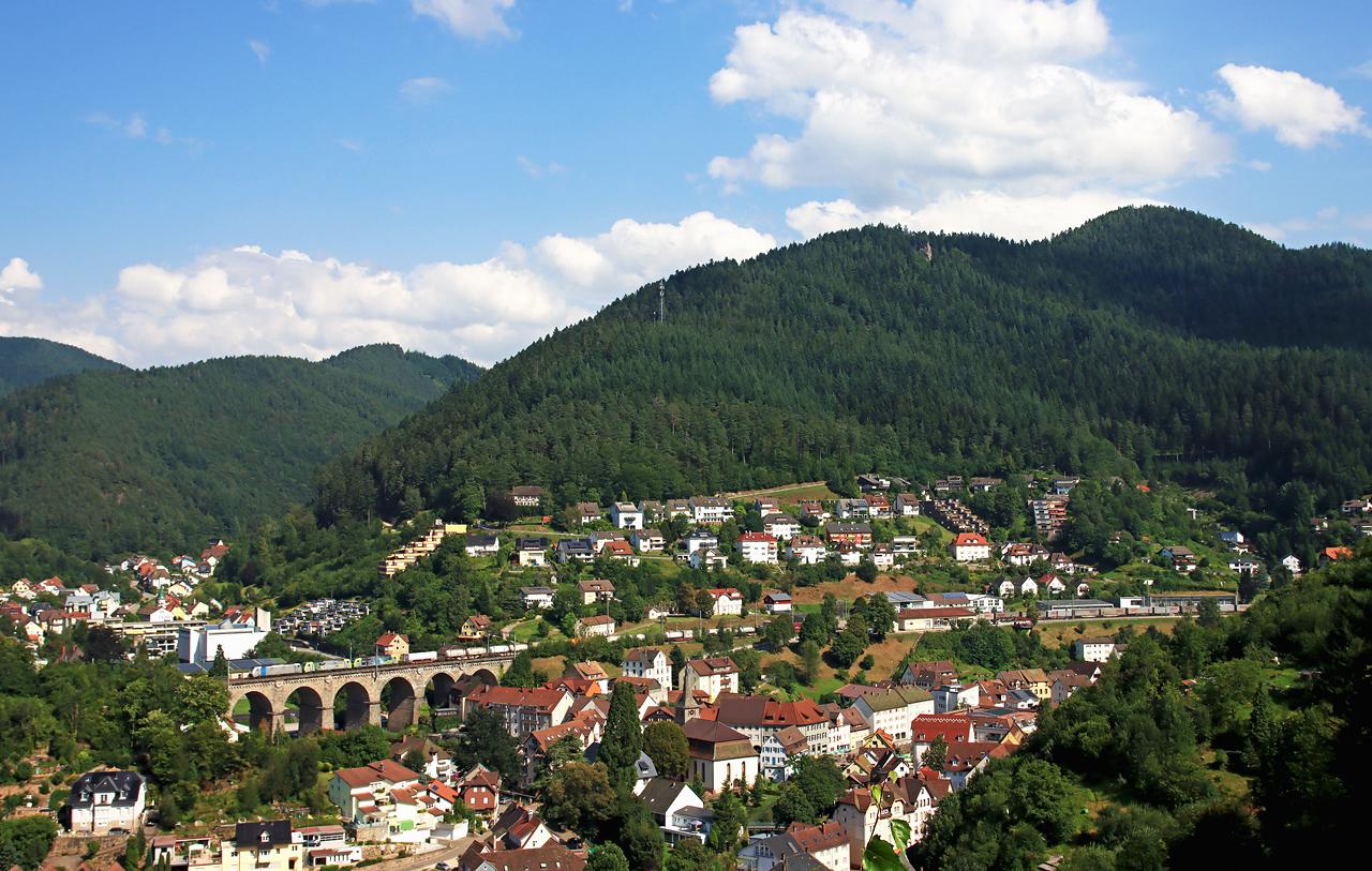 http://www.badische-schwarzwaldbahn.de/DSO/H236.jpg