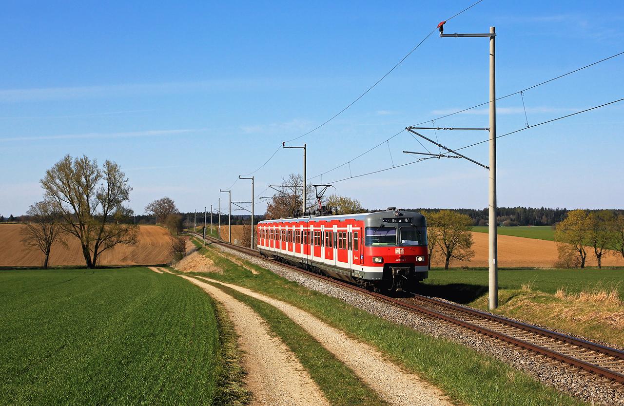 http://www.badische-schwarzwaldbahn.de/DSO/H83.jpg