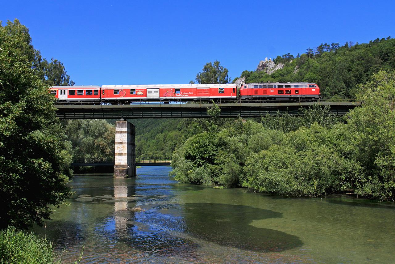 http://www.badische-schwarzwaldbahn.de/DSO/Z818.jpg