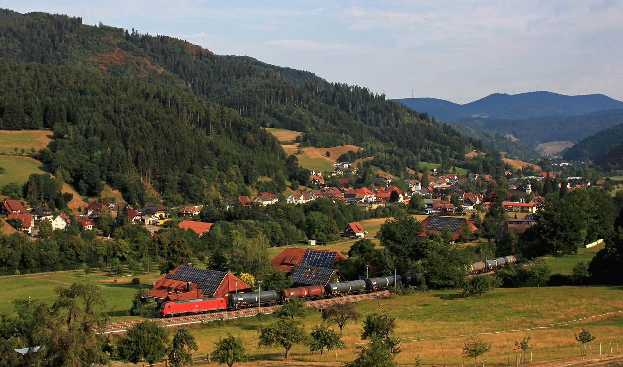http://www.badische-schwarzwaldbahn.de/DSO/Z832.jpg