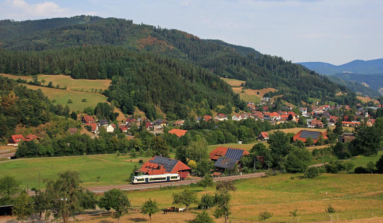 http://www.badische-schwarzwaldbahn.de/DSO/Z833.jpg