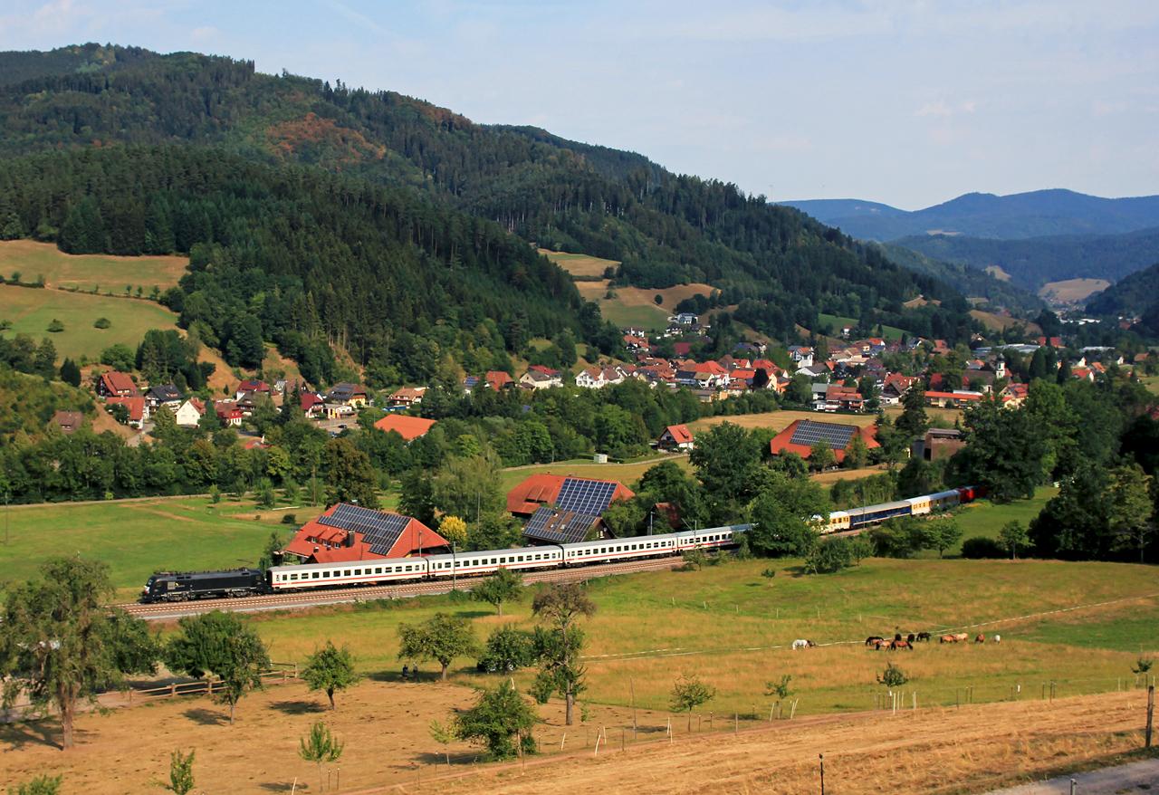 http://www.badische-schwarzwaldbahn.de/DSO/Z834.jpg
