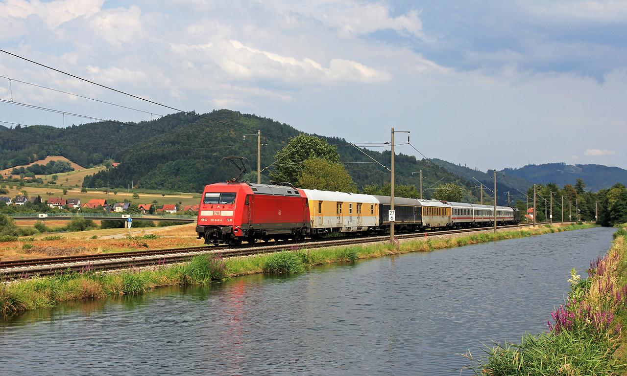 http://www.badische-schwarzwaldbahn.de/DSO/Z837.jpg