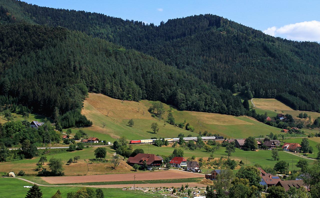 http://www.badische-schwarzwaldbahn.de/DSO/Z842.jpg