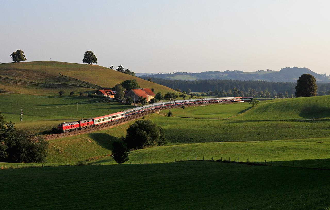 http://www.badische-schwarzwaldbahn.de/DSO/Z851.jpg