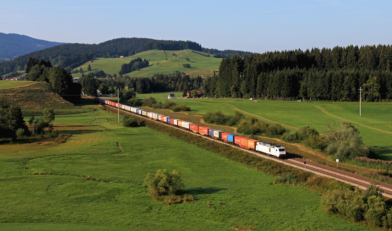 http://www.badische-schwarzwaldbahn.de/DSO/Z852.jpg