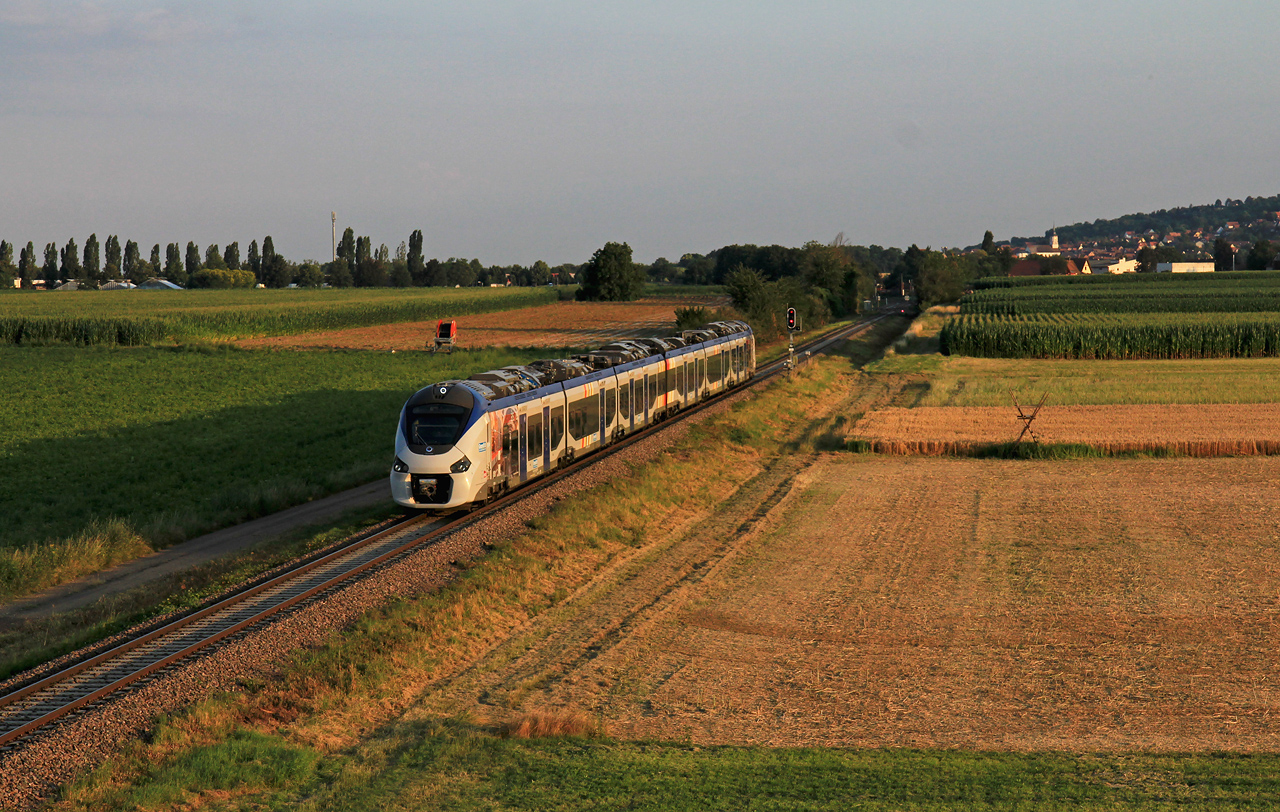http://www.badische-schwarzwaldbahn.de/DSO/Z894.jpg