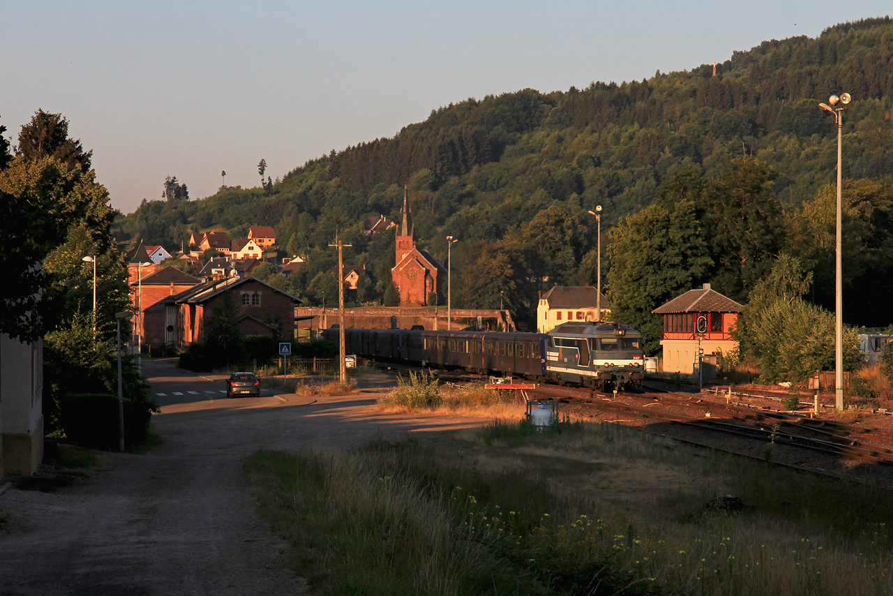 http://www.badische-schwarzwaldbahn.de/DSO/Z896.jpg