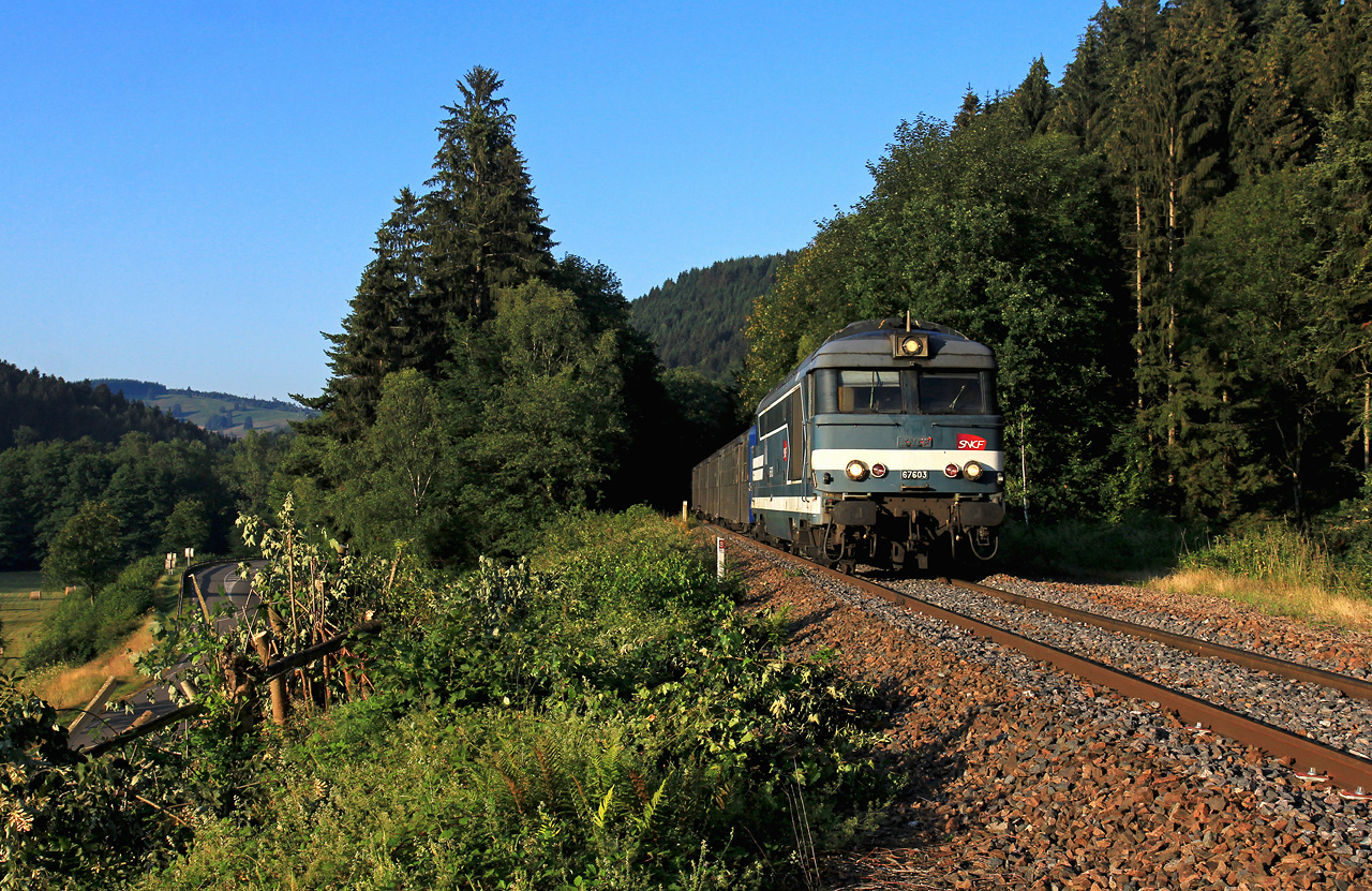 http://www.badische-schwarzwaldbahn.de/DSO/Z897.jpg