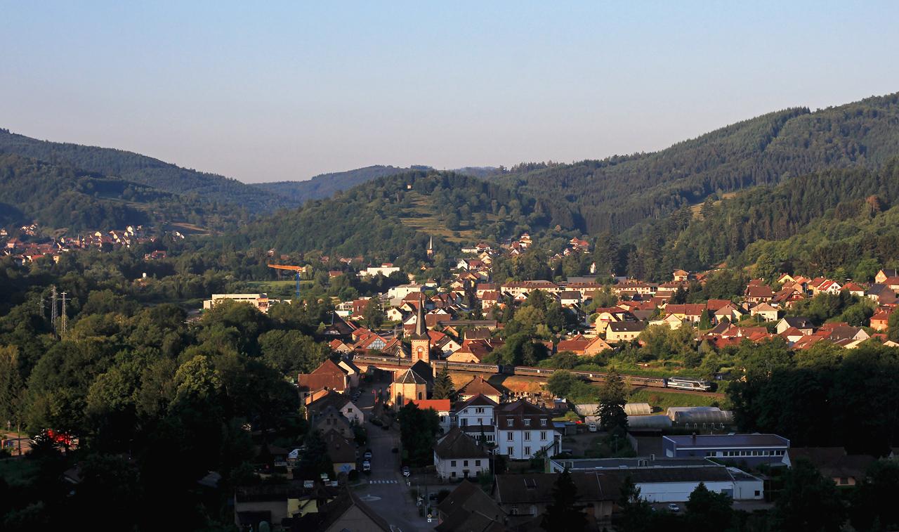 http://www.badische-schwarzwaldbahn.de/DSO/Z898.jpg