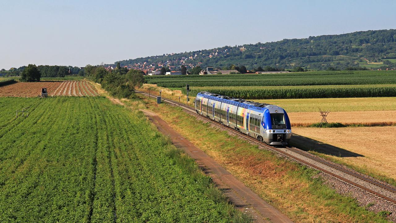 http://www.badische-schwarzwaldbahn.de/DSO/Z904.jpg