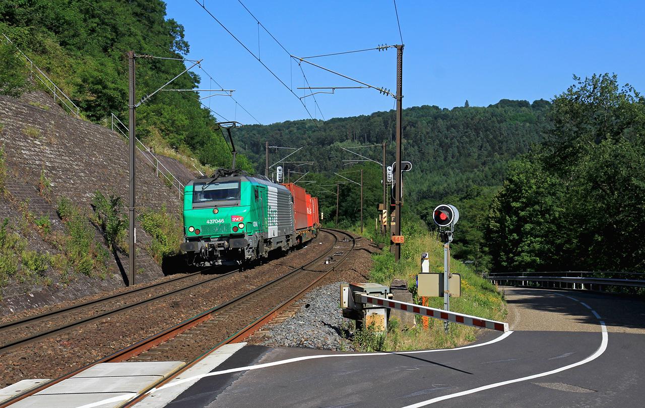 http://www.badische-schwarzwaldbahn.de/DSO/Z914.jpg