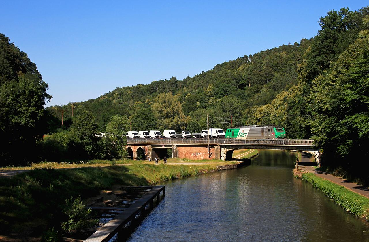 http://www.badische-schwarzwaldbahn.de/DSO/Z916.jpg