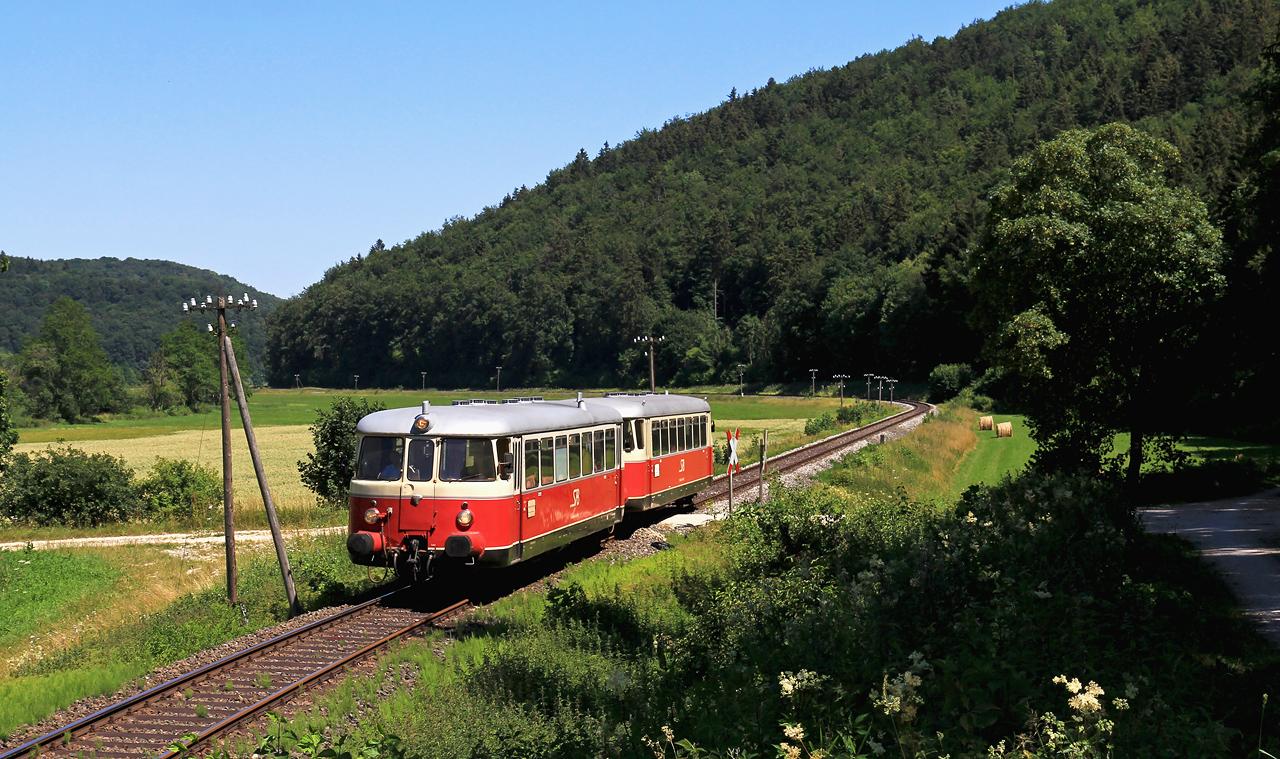 http://www.badische-schwarzwaldbahn.de/DSO/Z939.jpg